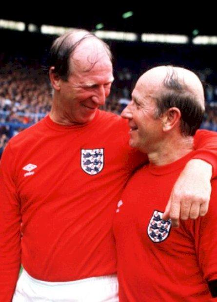 Morre Jack Charlton, 85 anos: estreou na seleção aos 30, ídolo do Leeds e irmão mais velho de Bobby
