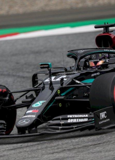 Hamilton crava melhor tempo no retorno da Fórmula 1