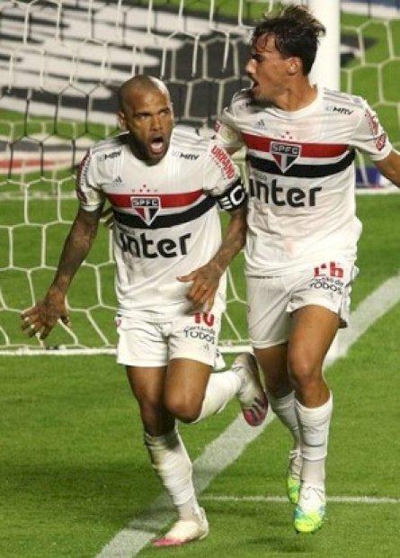 São Paulo, Inter e Vasco fecham rodada do Brasileirão com vitórias