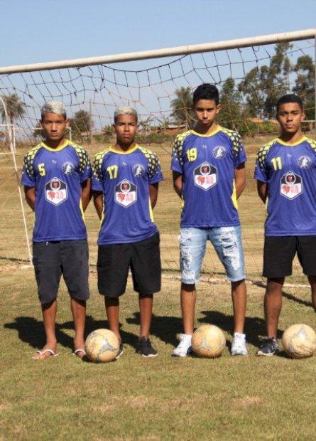 Jovens douradenses vão jogar em equipe de Santa Catarina