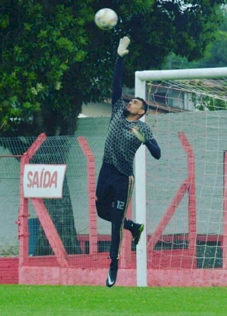 Dourados AC anuncia goleiros para disputa da Série B