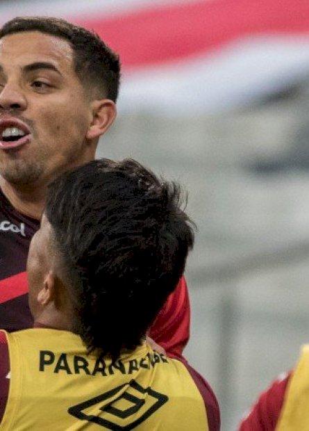Athletico Paranaense bate  Atlético-GO pela Copa do Brasil