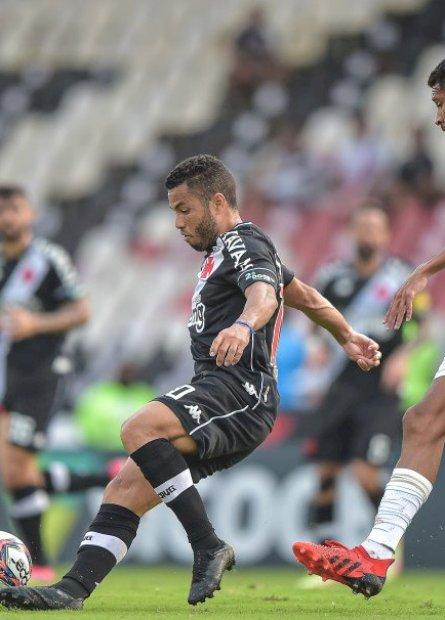 Vasco e Cruzeiro empatam em São Januário pela 25ª rodada do Brasileirão